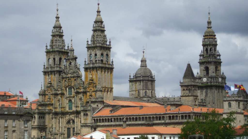 la-catedral-de-santiago-construida-para-recibir-peregrinos-1920